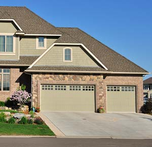 Charmant Garage Doors Are A Great Outdoor Asset To Your Home. Whether You Are  Looking To Sell Your House Or Are Planning On Staying Put For Years To  Come, ...